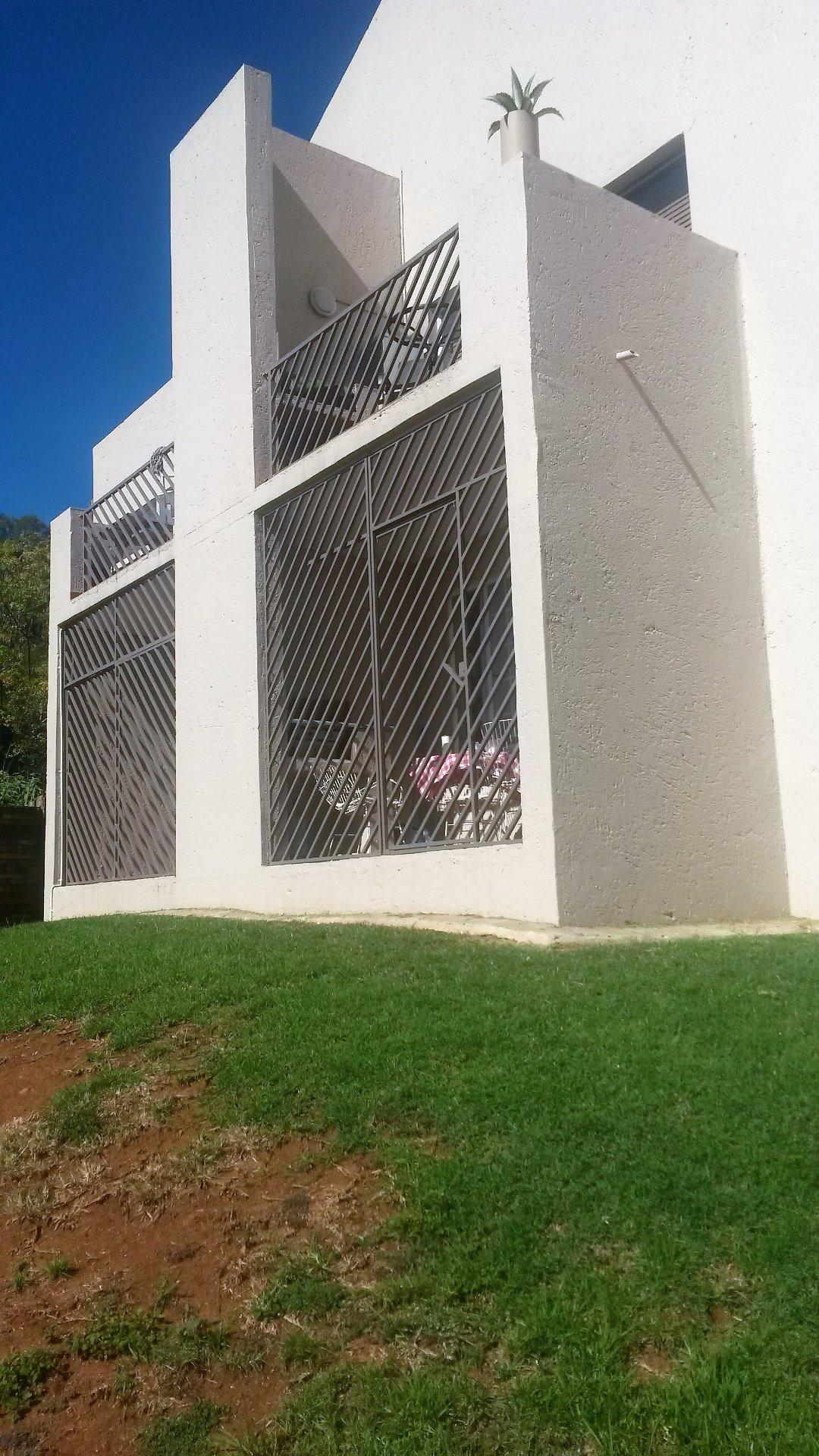 Pretoria, Garsfontein Property    Houses To Rent Garsfontein, Garsfontein, House 2 bedrooms property to rent Price:,  6,00*