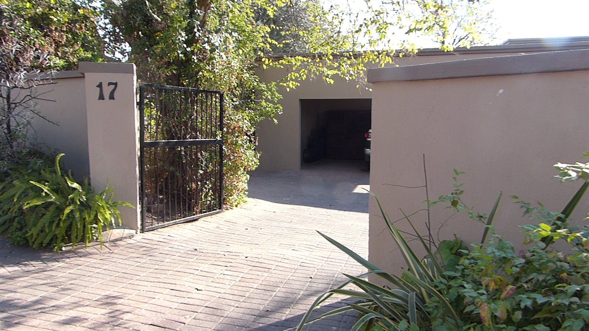 Lonehill property for sale. Ref No: 13510828. Picture no 6