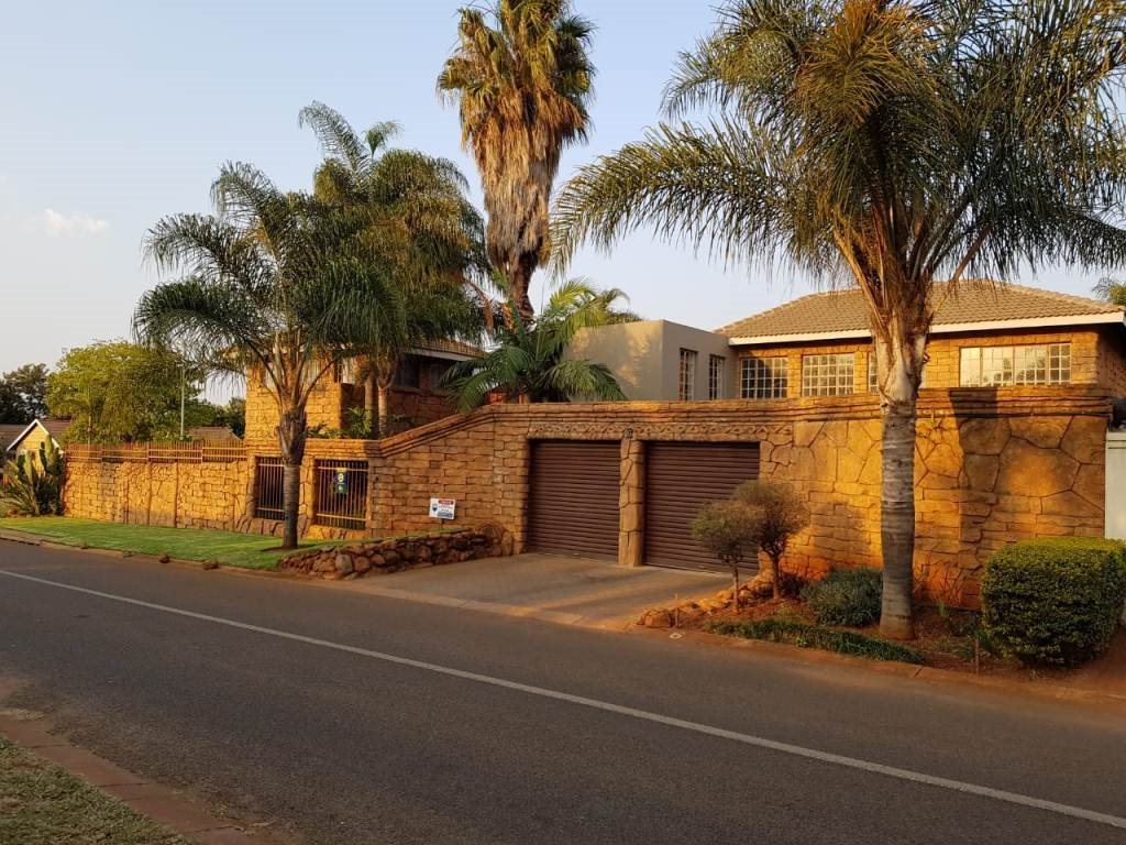 Property and Houses for sale in The Orchards, House, 4 Bedrooms - ZAR 1,500,000