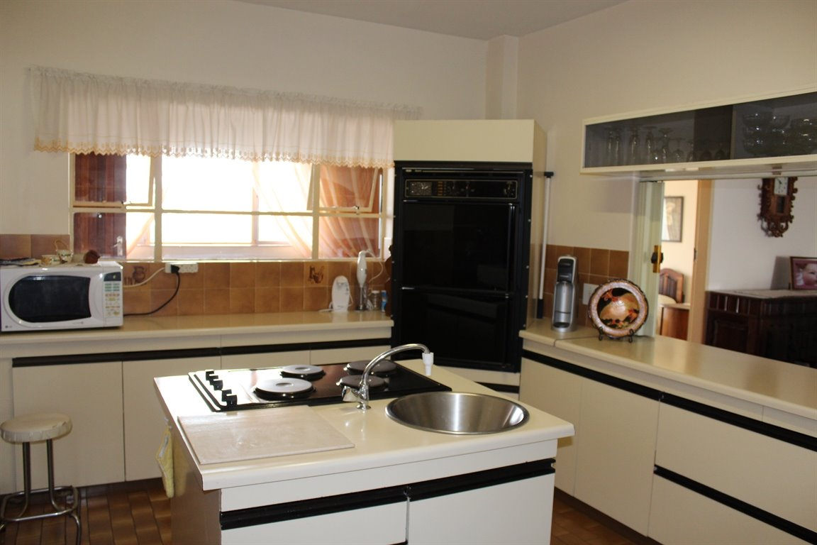 Potchefstroom property for sale. Ref No: 13394099. Picture no 9