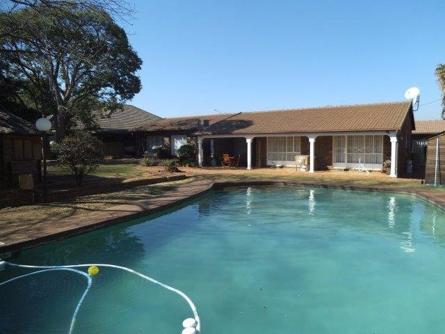 Brackenhurst property for sale. Ref No: 13544136. Picture no 15