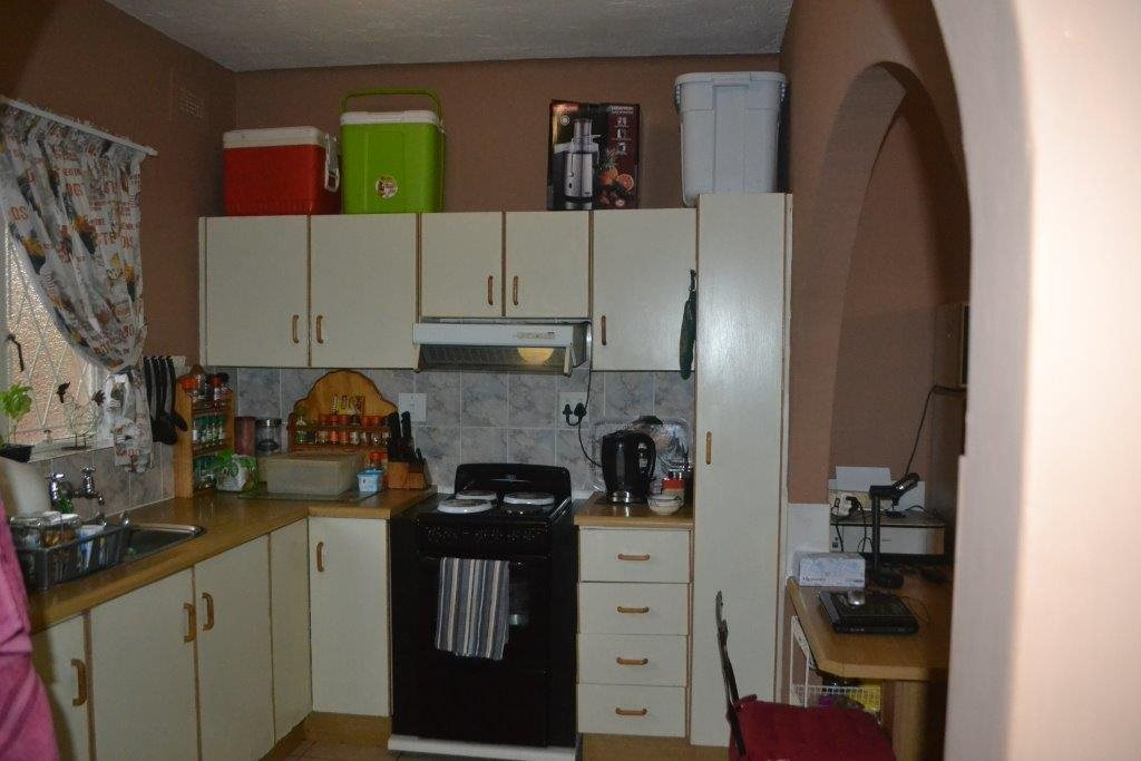 Margate property for sale. Ref No: 13360684. Picture no 5