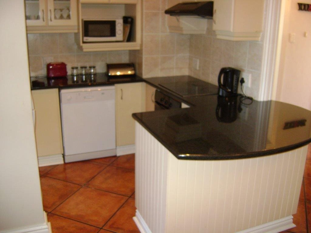 Uvongo property for sale. Ref No: 12795814. Picture no 6
