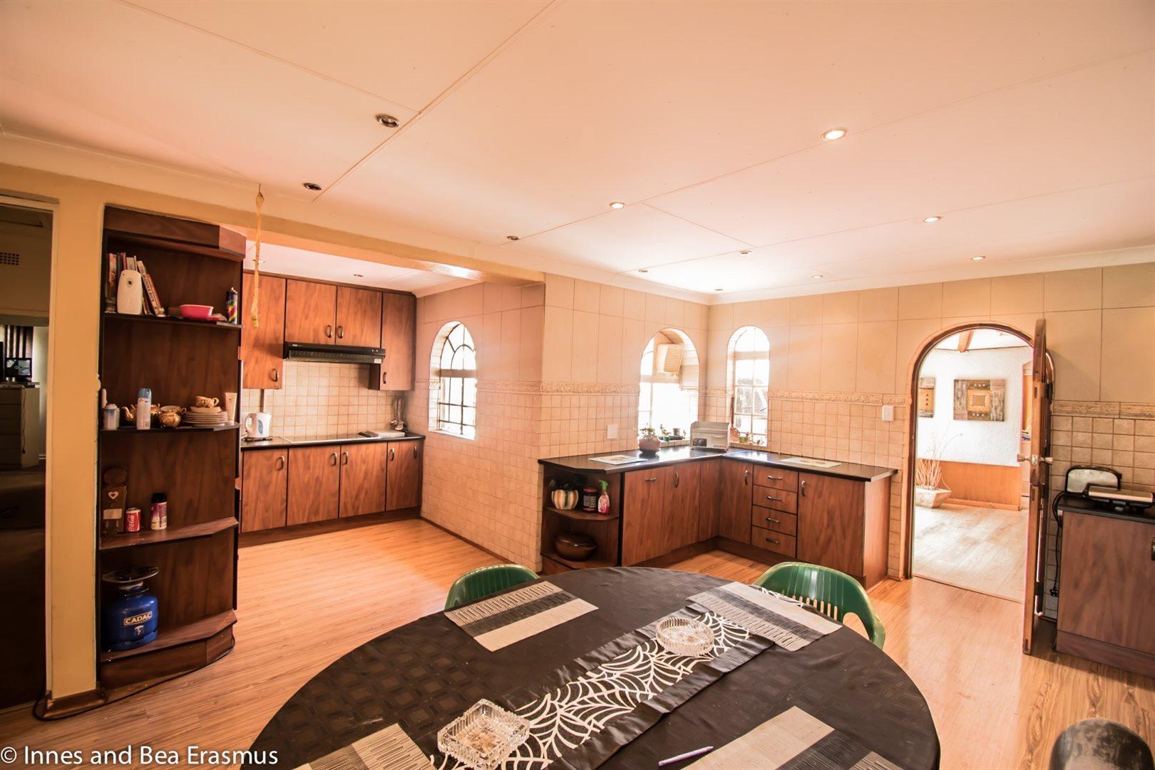 Van Der Westhuizen property for sale. Ref No: 12728959. Picture no 12