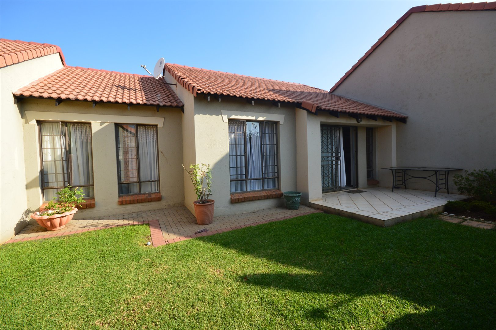 Two bedroom townhouse for sale in centurion bedroom for Centurion homes