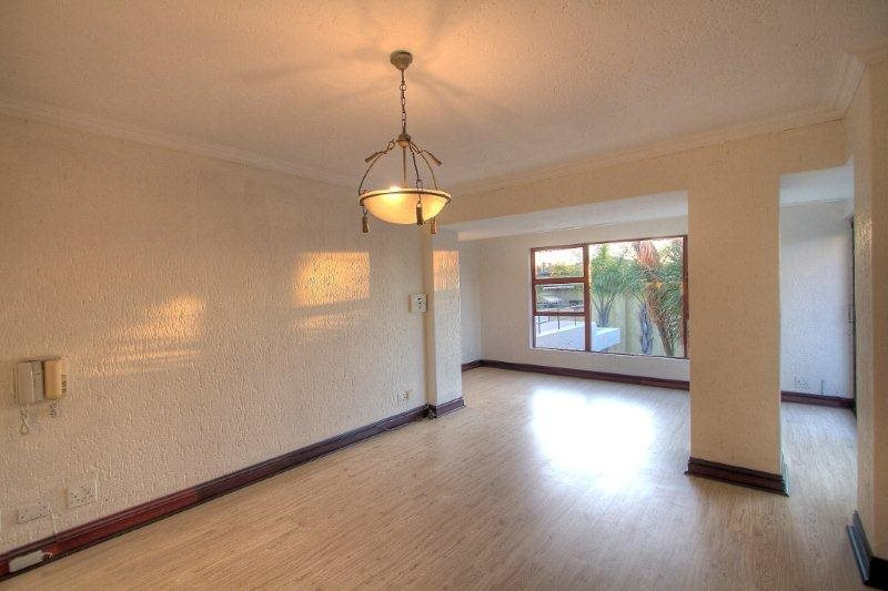 Fourways Gardens property for sale. Ref No: 13401246. Picture no 12