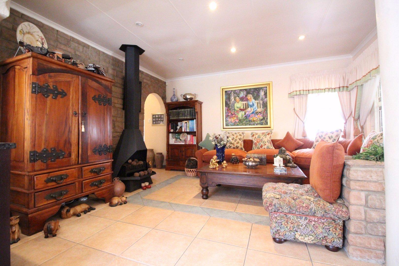 Mulbarton property for sale. Ref No: 13511727. Picture no 10