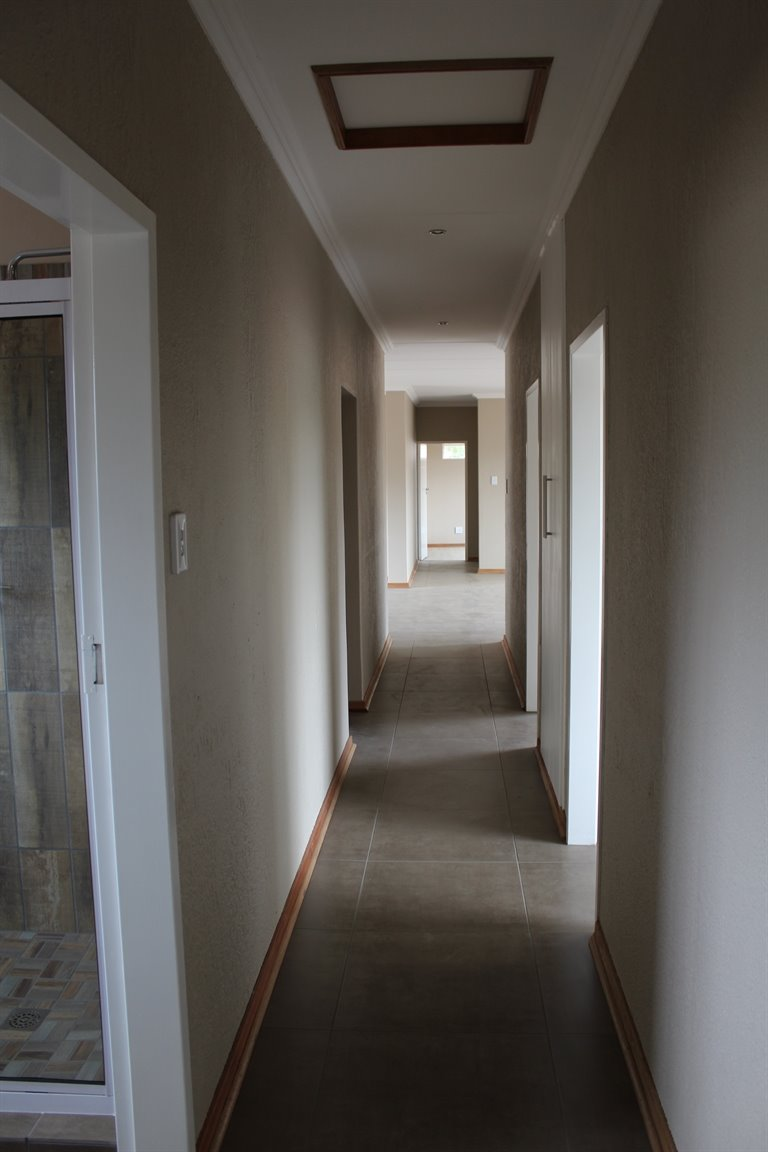Suid Sentraal Oos property for sale. Ref No: 13403369. Picture no 14
