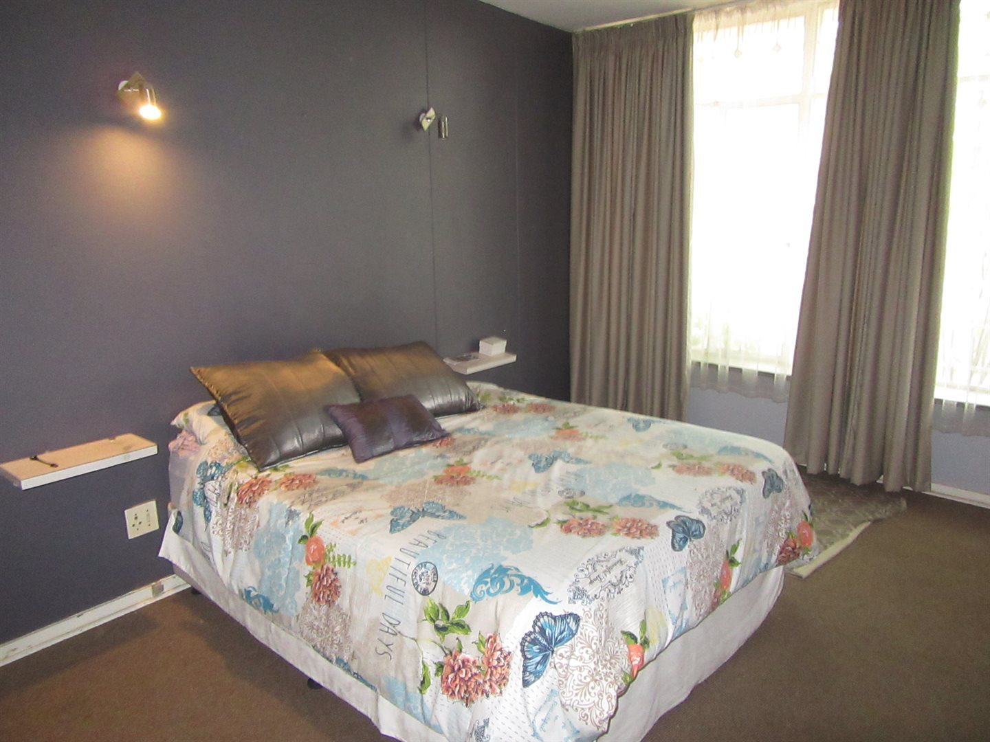 Bryanston East property for sale. Ref No: 13533607. Picture no 5