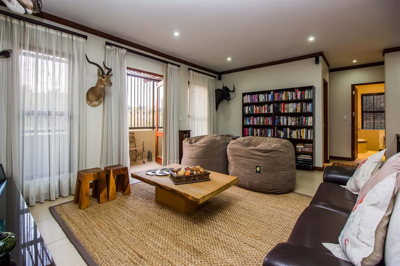 Waterkloof Ridge property for sale. Ref No: 13535230. Picture no 16