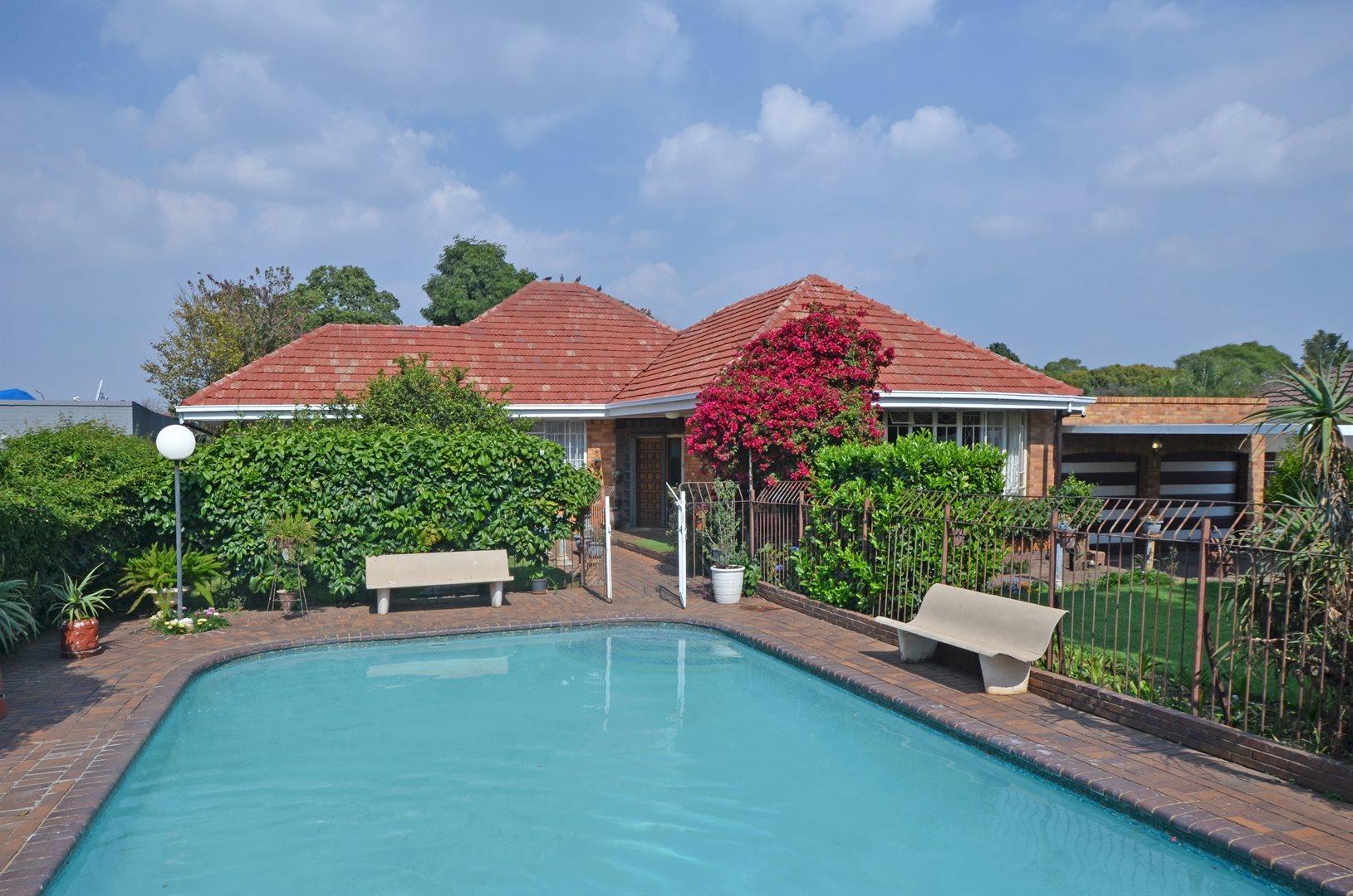 Johannesburg, Bramley Property  | Houses For Sale Bramley, Bramley, House 4 bedrooms property for sale Price:2,250,000