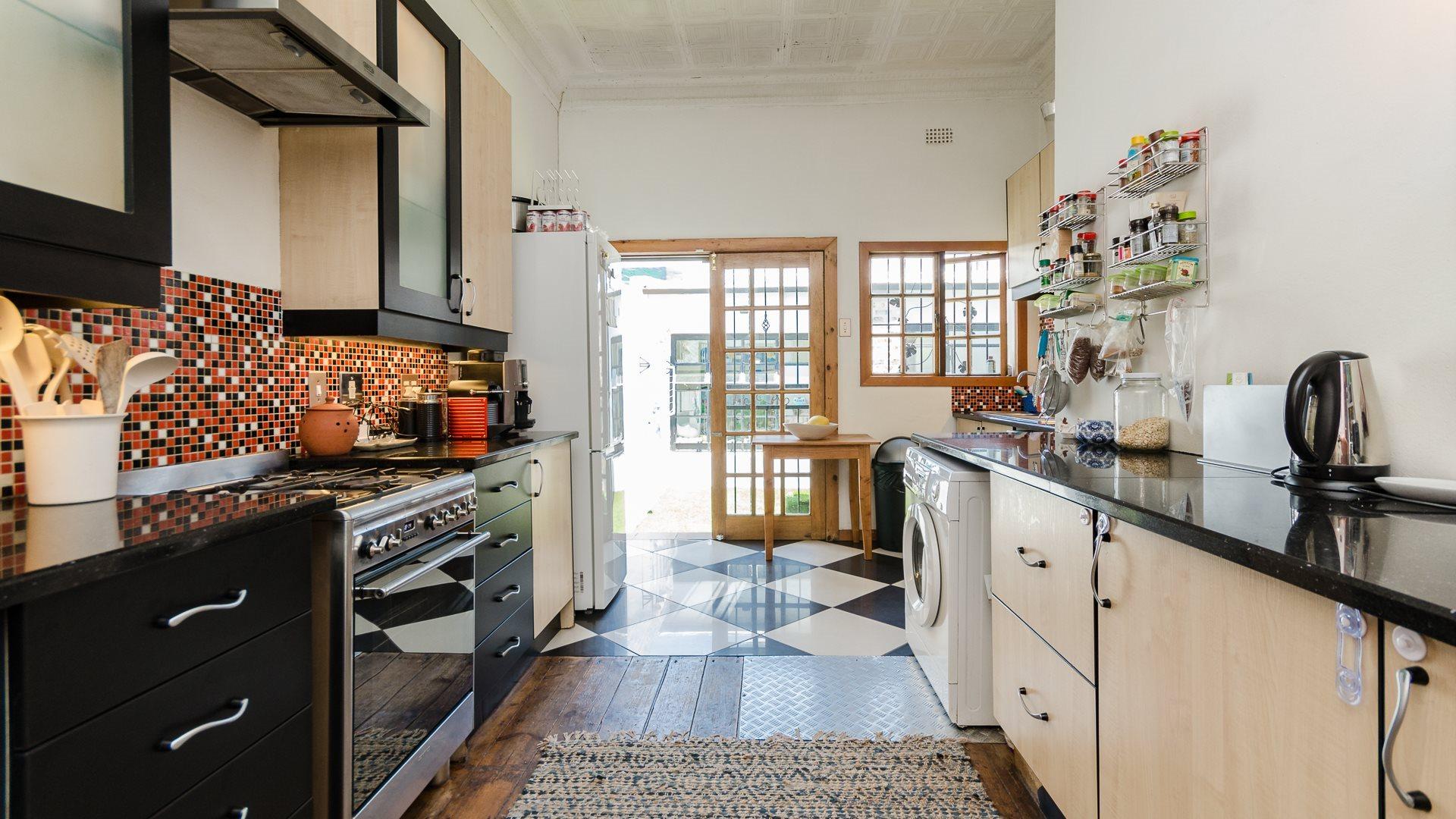 Orange Grove property for sale. Ref No: 13551072. Picture no 5