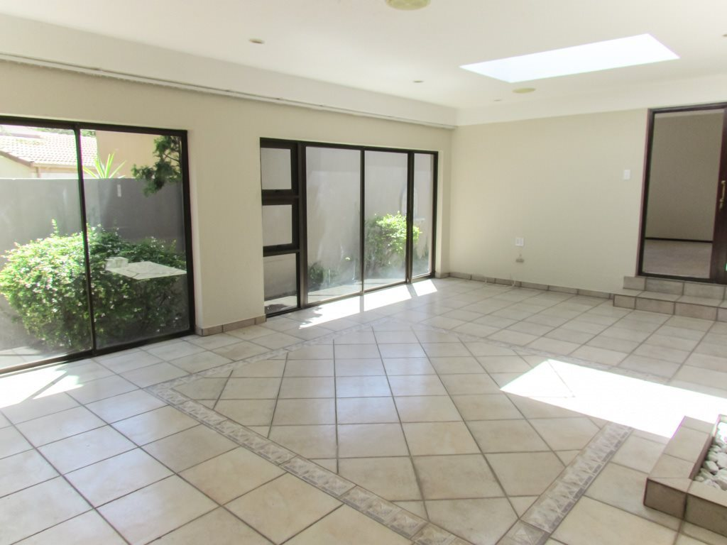 Lonehill property to rent. Ref No: 13553038. Picture no 7