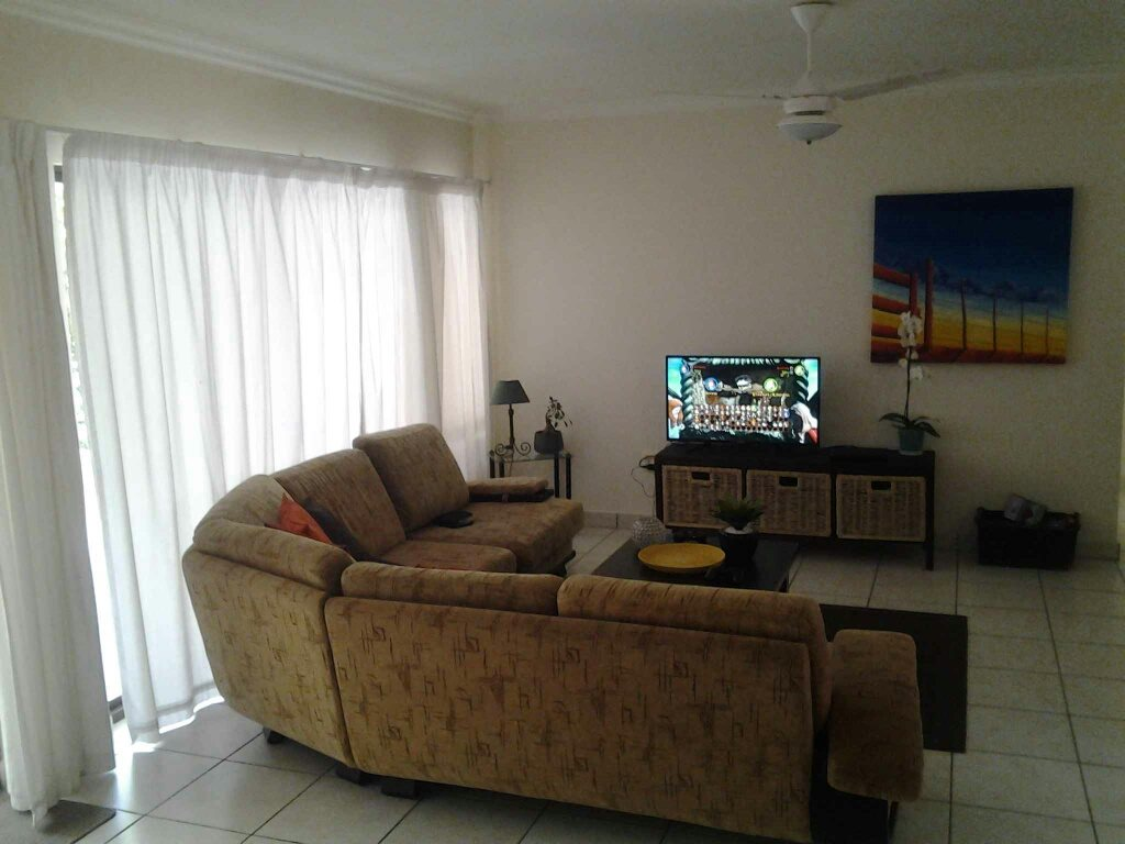 Uvongo property for sale. Ref No: 13396169. Picture no 4