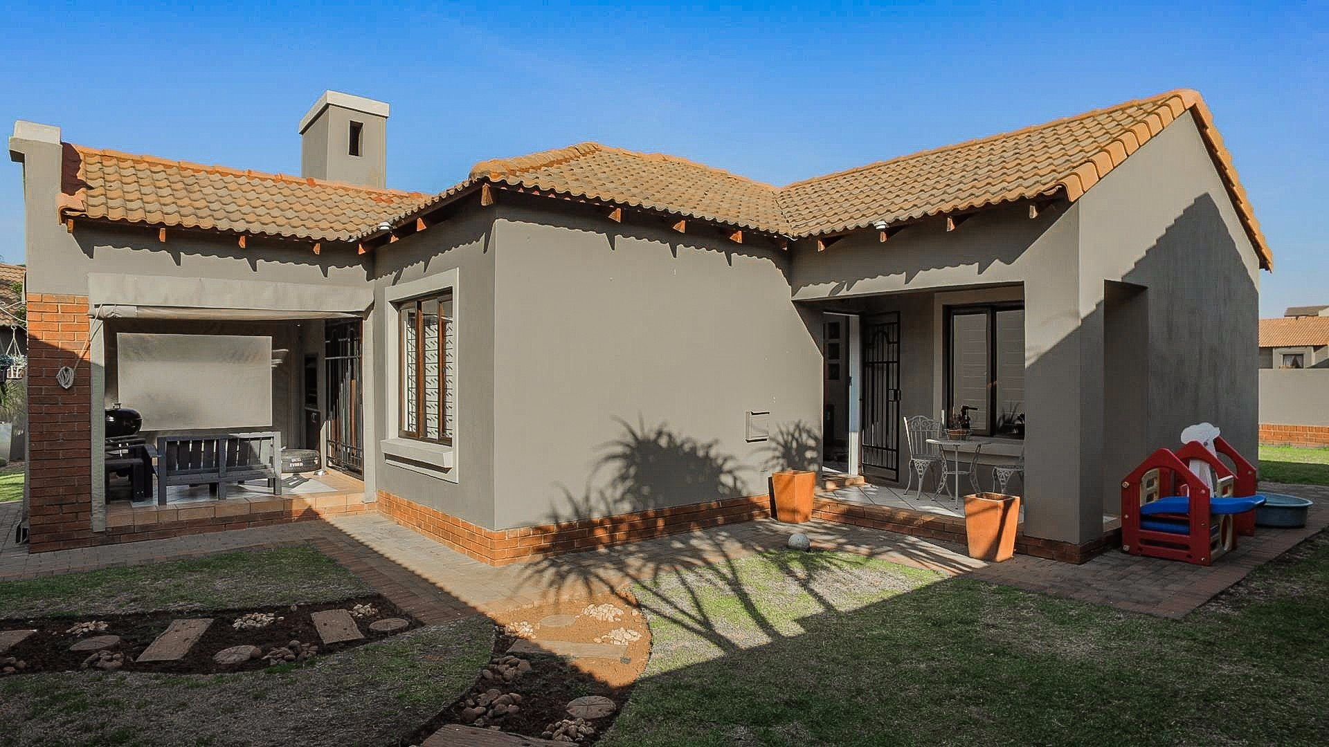 Centurion, Eco Park Estate Property  | Houses For Sale Eco Park Estate, Eco Park Estate, Townhouse 4 bedrooms property for sale Price:1,770,000