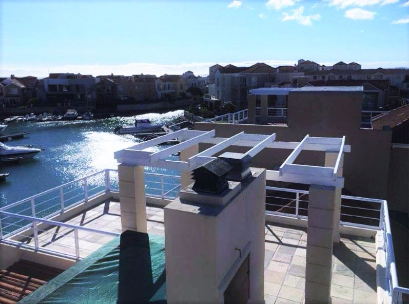 Harbour Island property to rent. Ref No: 13554085. Picture no 29
