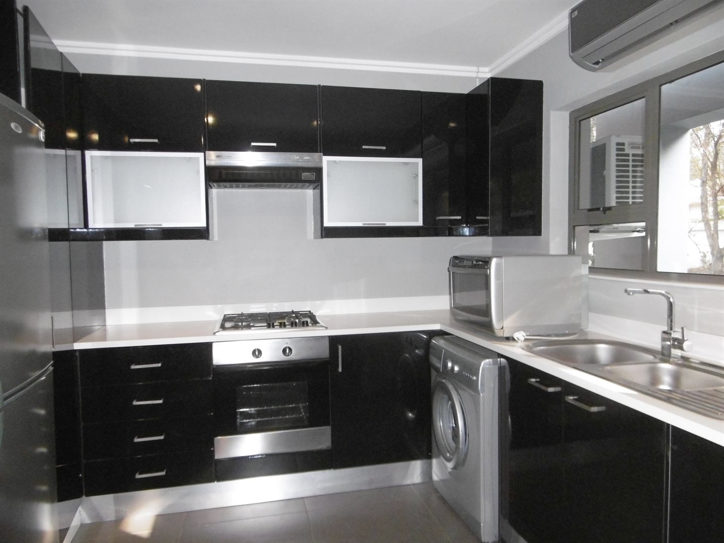 Bryanston property to rent. Ref No: 13504988. Picture no 6