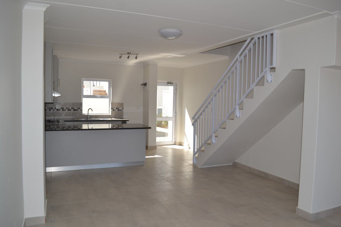 Property and Houses to rent in Wellington Central, Apartment, 2 Bedrooms - ZAR , 11,00*,M