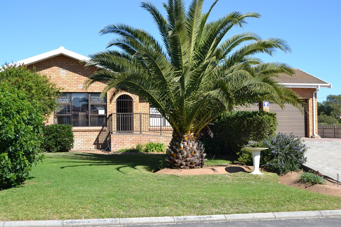 Lamberts Bay property for sale. Ref No: 13373968. Picture no 1