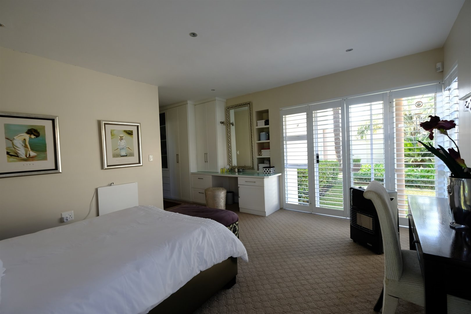 Three Rivers East property for sale. Ref No: 13378538. Picture no 17