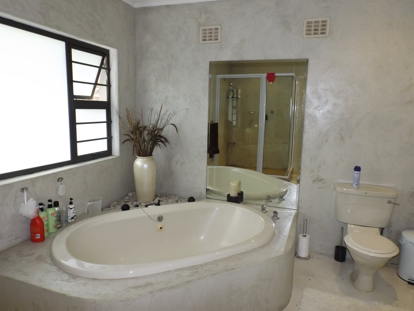 Nahoon Valley property for sale. Ref No: 13603956. Picture no 14