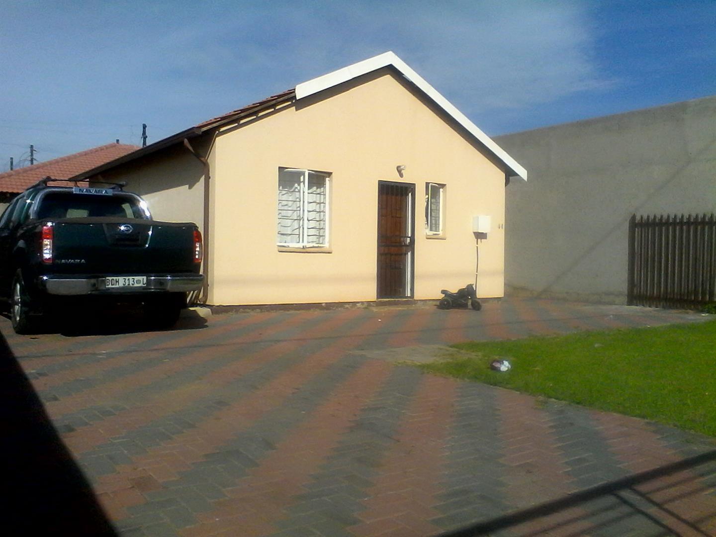 Vanderbijlpark & Ext property for sale. Ref No: 13443960. Picture no 1