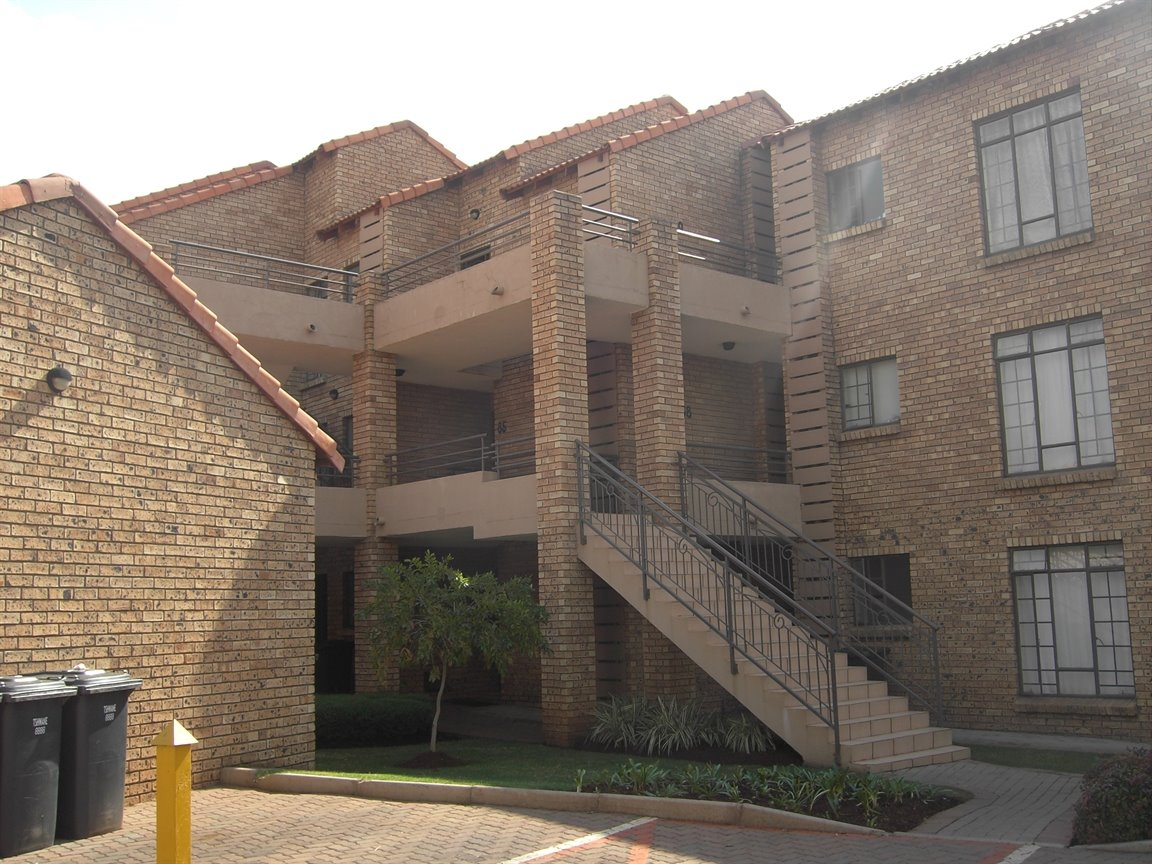 Centurion, Eco Park Estate Property  | Houses To Rent Eco Park Estate, Eco Park Estate, Townhouse 2 bedrooms property to rent Price:,  6,00*