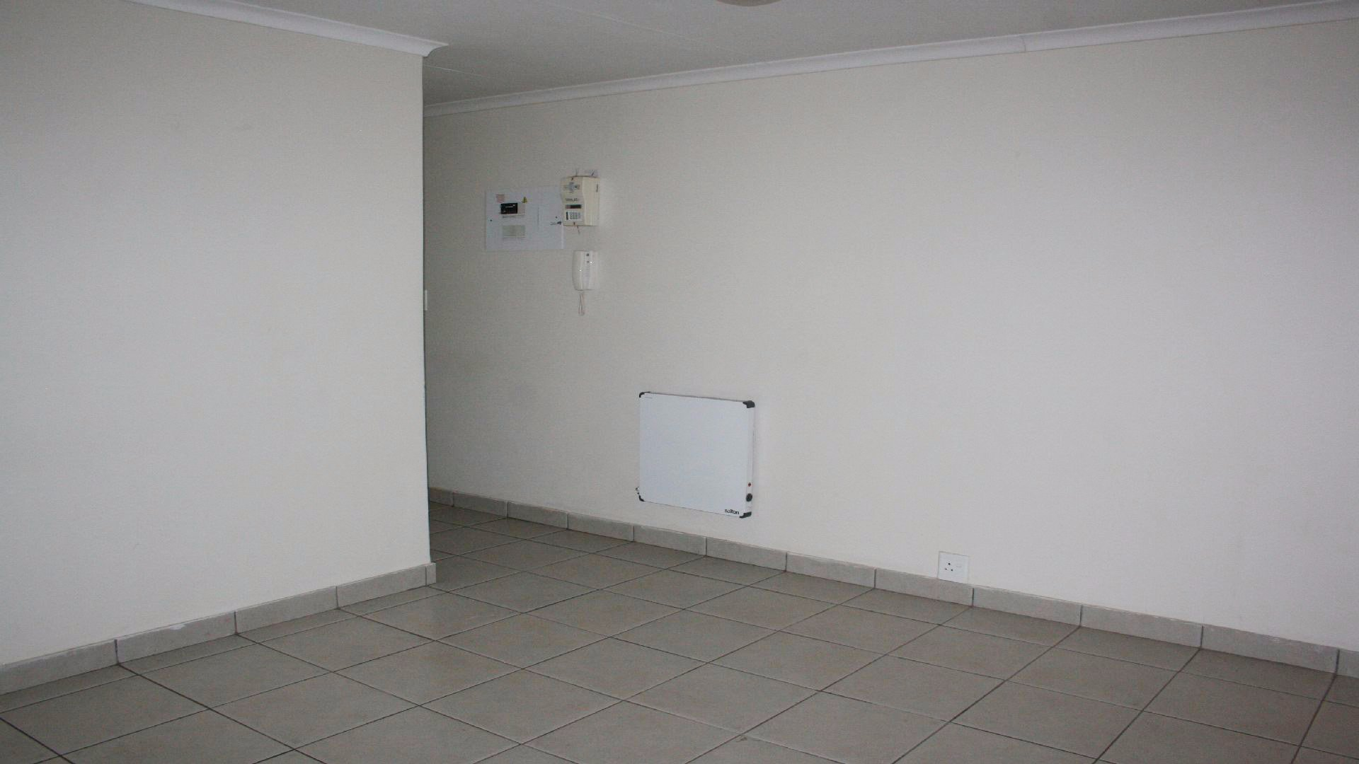Randpoort property for sale. Ref No: 13537837. Picture no 9