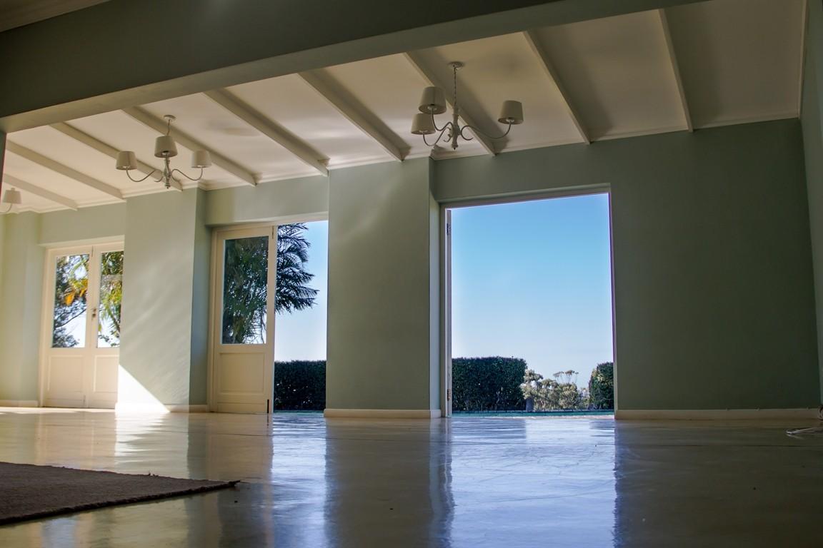 Widenham property for sale. Ref No: 13493005. Picture no 2