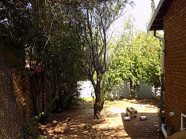 Naturena property for sale. Ref No: 13552045. Picture no 8
