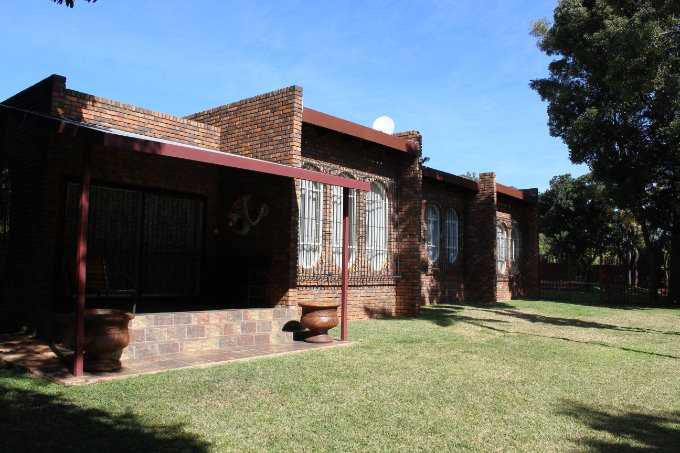 Property and Houses for sale in Theresapark, House, 4 Bedrooms - ZAR 1,500,000