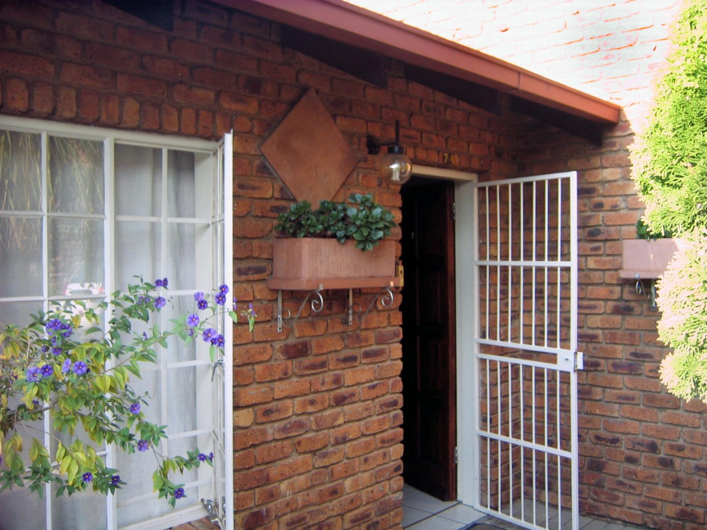 Property and Houses to rent in Eldoraigne, Townhouse, 3 Bedrooms - ZAR , 10,00*,M