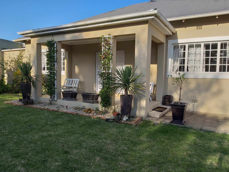 Property for Sale by DLC INC. ATTORNEYS Teresa De La Querra, House, 3 Bedrooms - ZAR 2,350,000