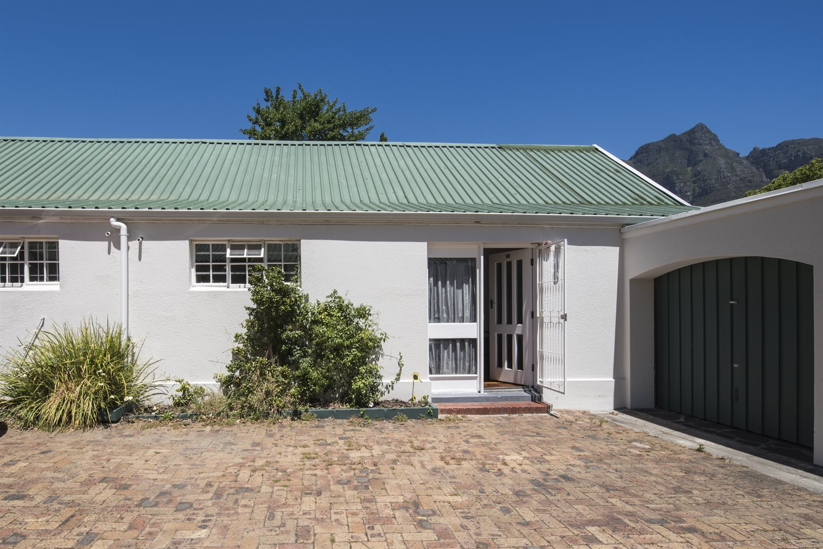 Cape Town, Rondebosch Property  | Houses For Sale Rondebosch, Rondebosch, Apartment 1 bedrooms property for sale Price:2,150,000