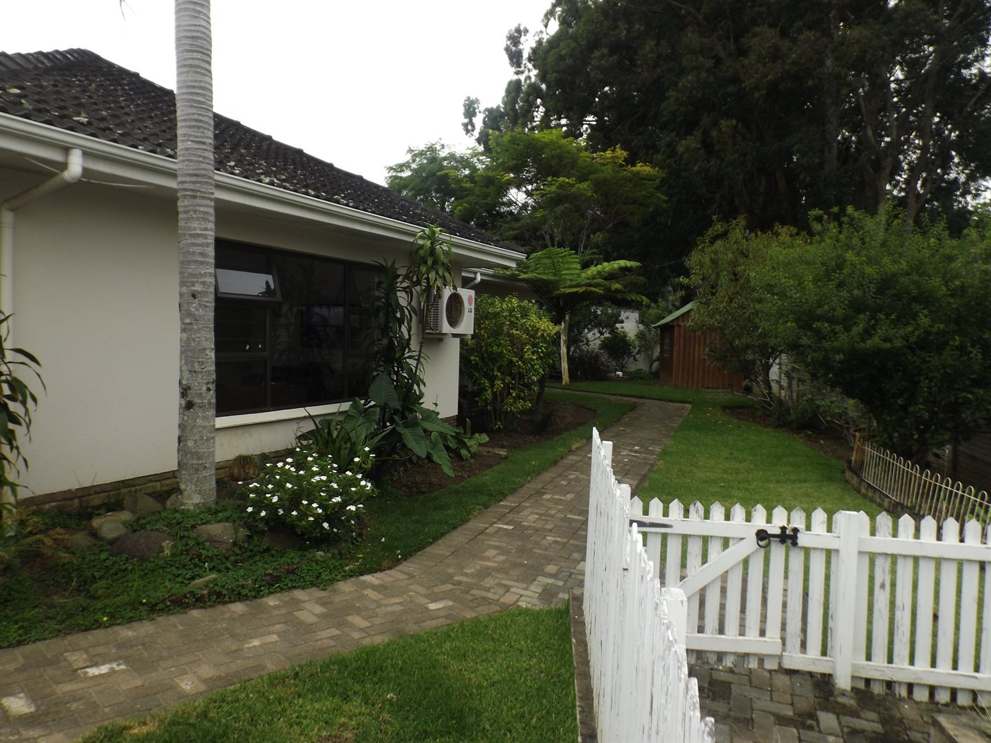 Nahoon Valley property for sale. Ref No: 13603956. Picture no 27