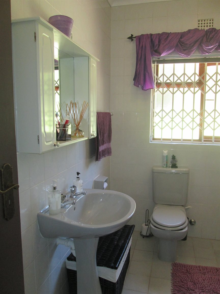 Vredenburg Central property for sale. Ref No: 13295172. Picture no 16