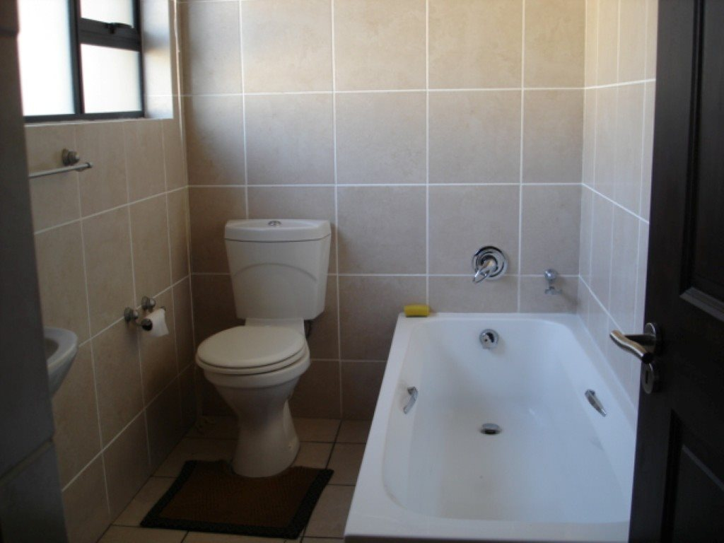 Uvongo property for sale. Ref No: 12756559. Picture no 15