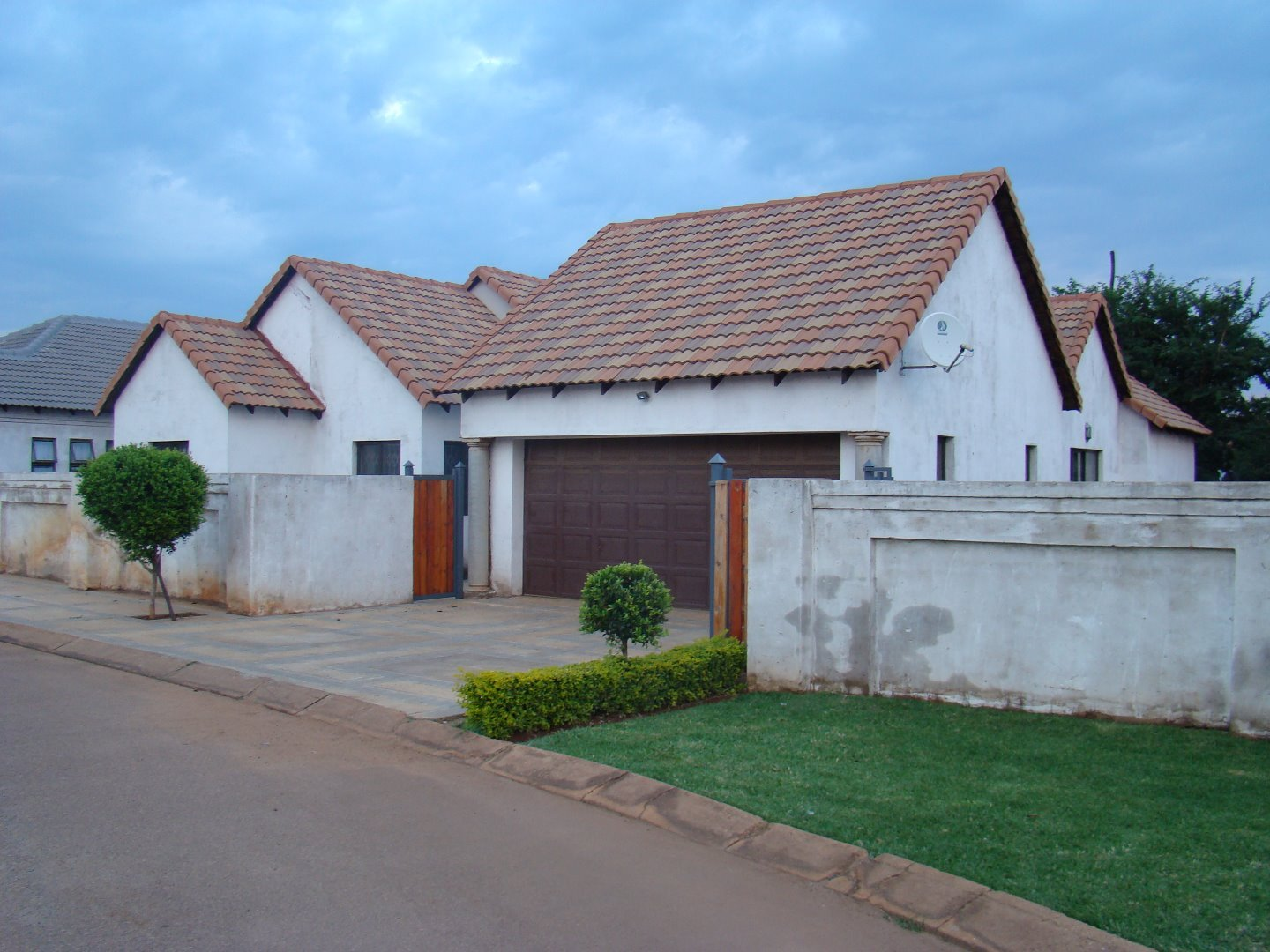 Property and Houses for sale in Clarina, House, 4 Bedrooms - ZAR 1,300,000