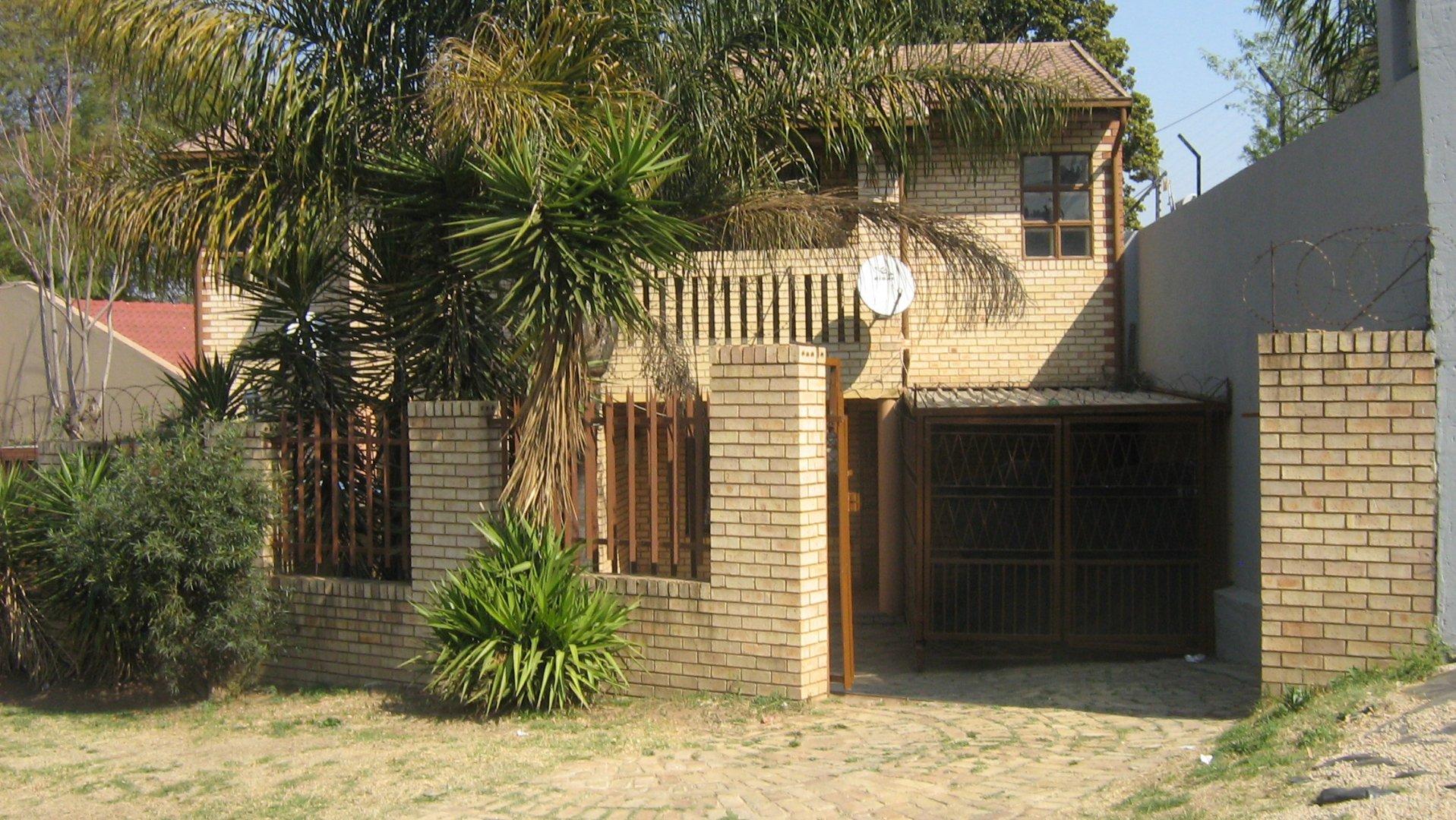 Johannesburg, Ridgeway Property    Houses To Rent Ridgeway, Ridgeway, House 2 bedrooms property to rent Price:,  6,00*