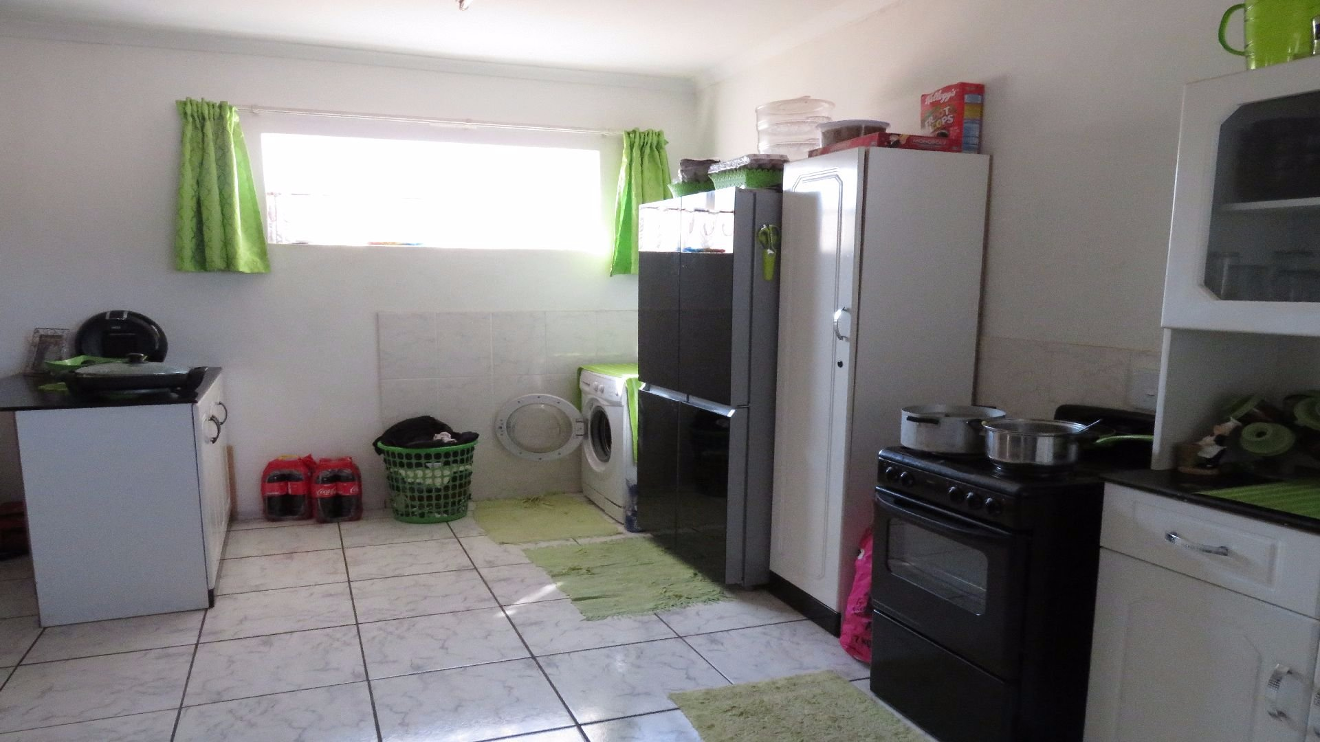 Greenhills property for sale. Ref No: 13526123. Picture no 27