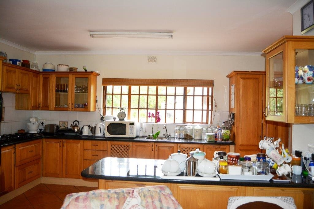 Uvongo property for sale. Ref No: 13386814. Picture no 8