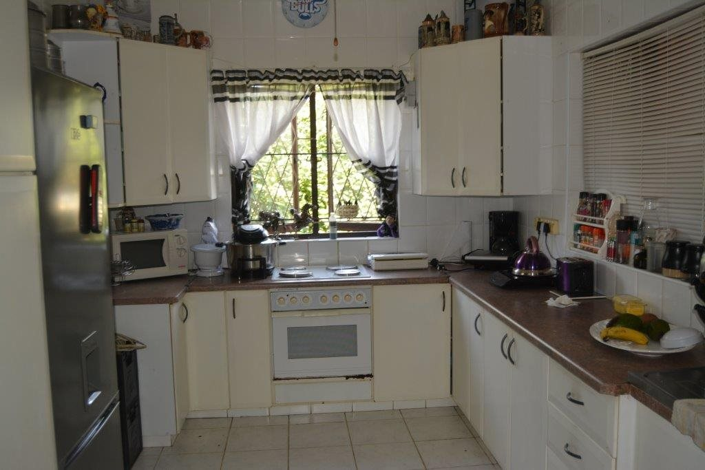 Margate property for sale. Ref No: 13324804. Picture no 10