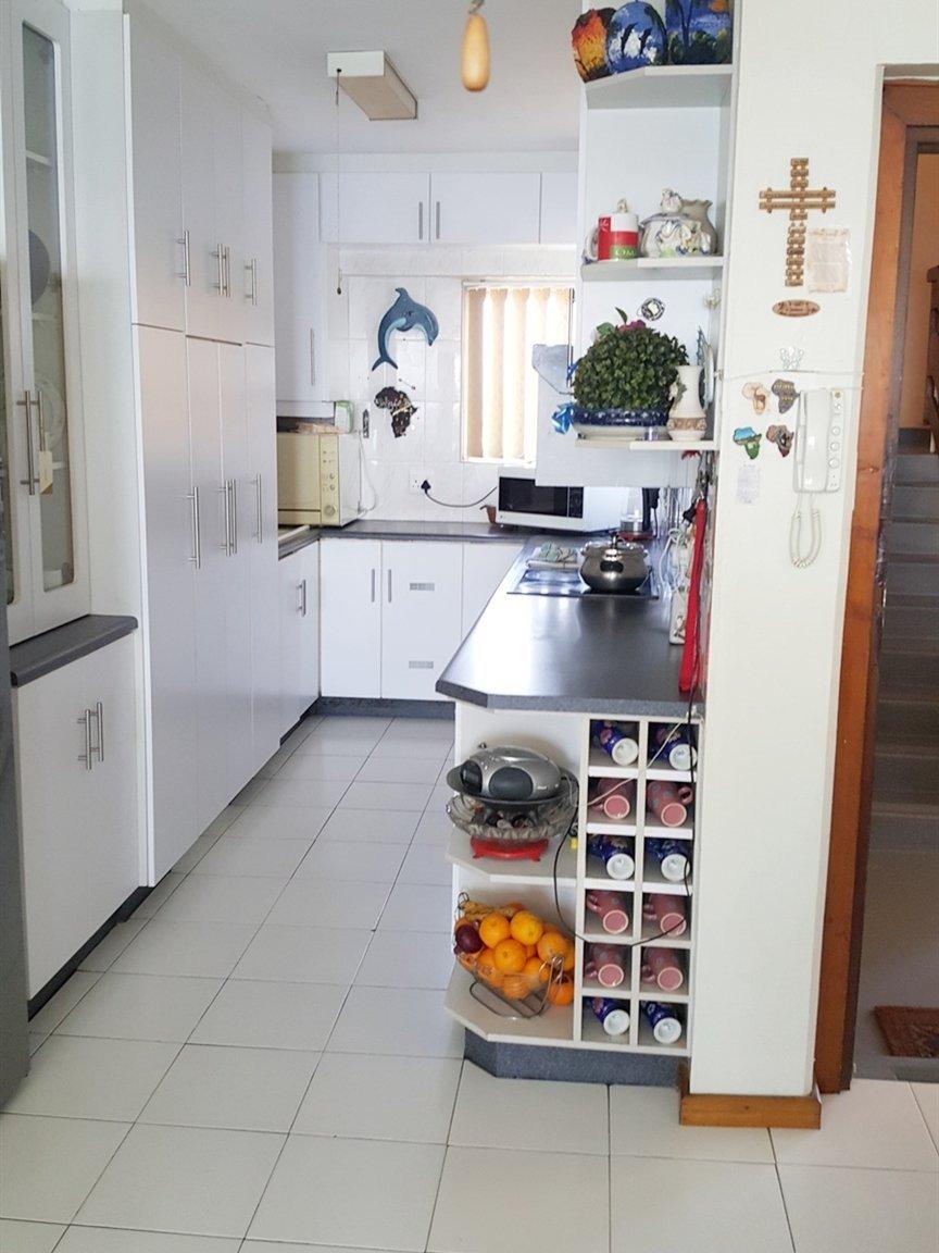 Amanzimtoti property for sale. Ref No: 13398813. Picture no 2