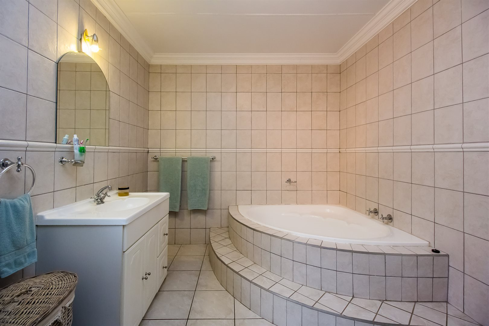 Waterkloof Heights property for sale. Ref No: 13538019. Picture no 12