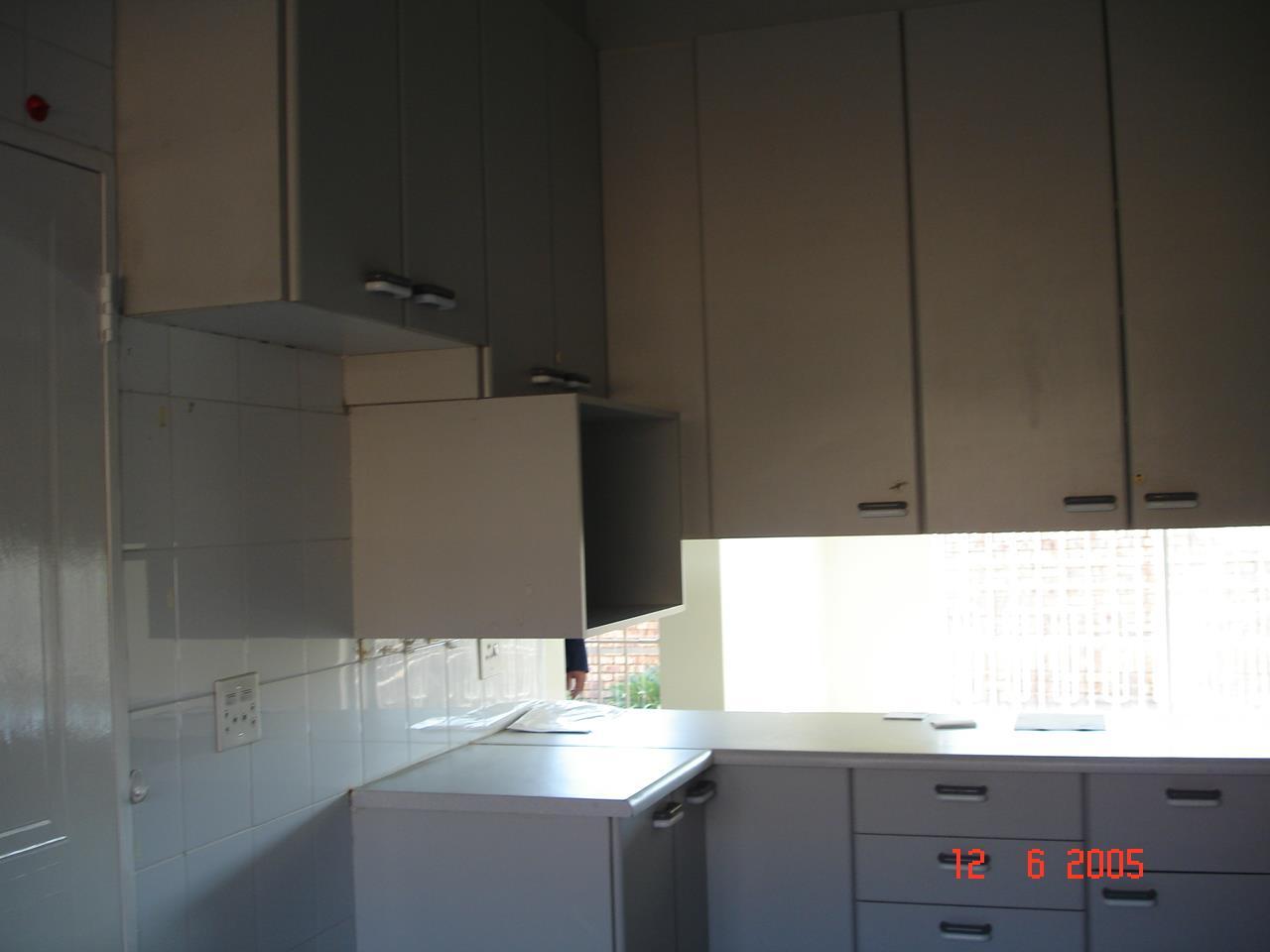 Glenvista property for sale. Ref No: 13525347. Picture no 10