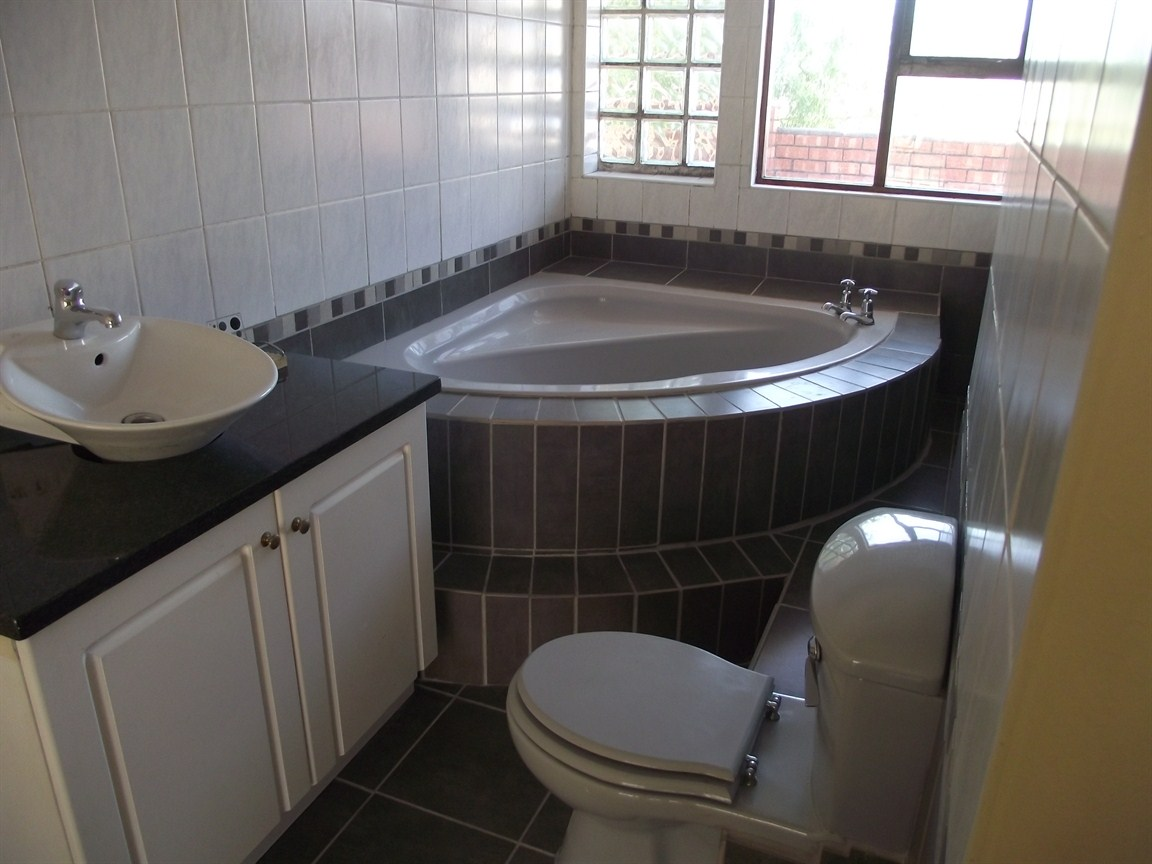 Parow North property to rent. Ref No: 13495680. Picture no 8
