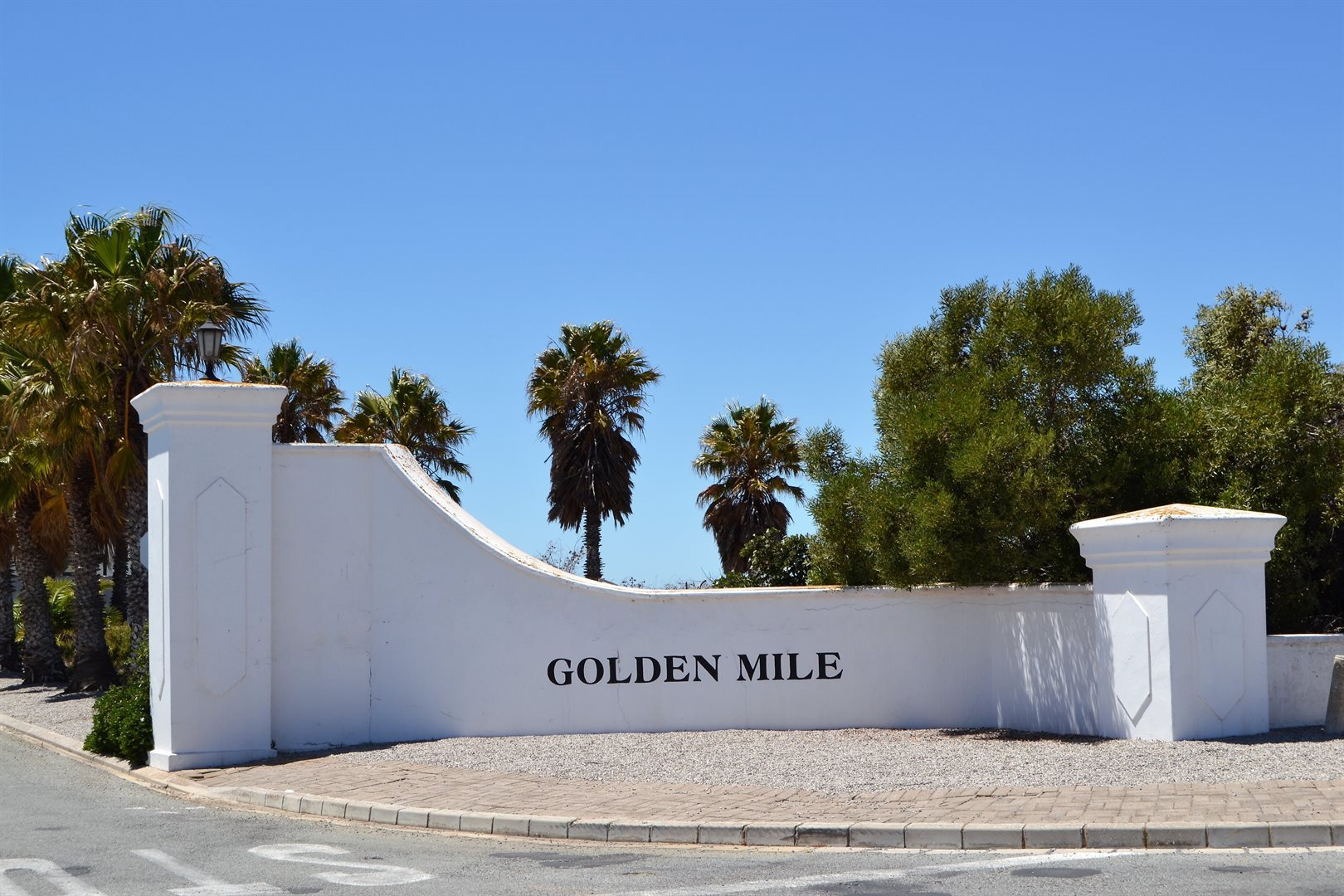 Golden Mile property for sale. Ref No: 13525950. Picture no 6