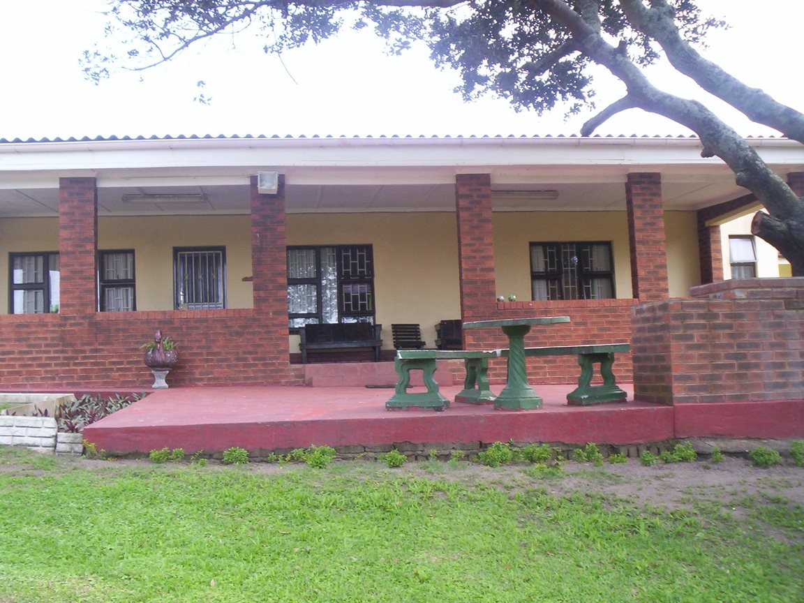 Property and Houses for sale in Sea Park, House, 4 Bedrooms - ZAR 1,950,000