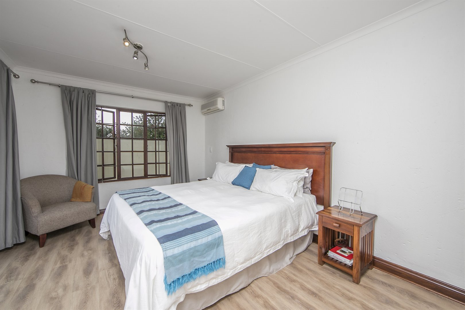 Lonehill property for sale. Ref No: 13482733. Picture no 8