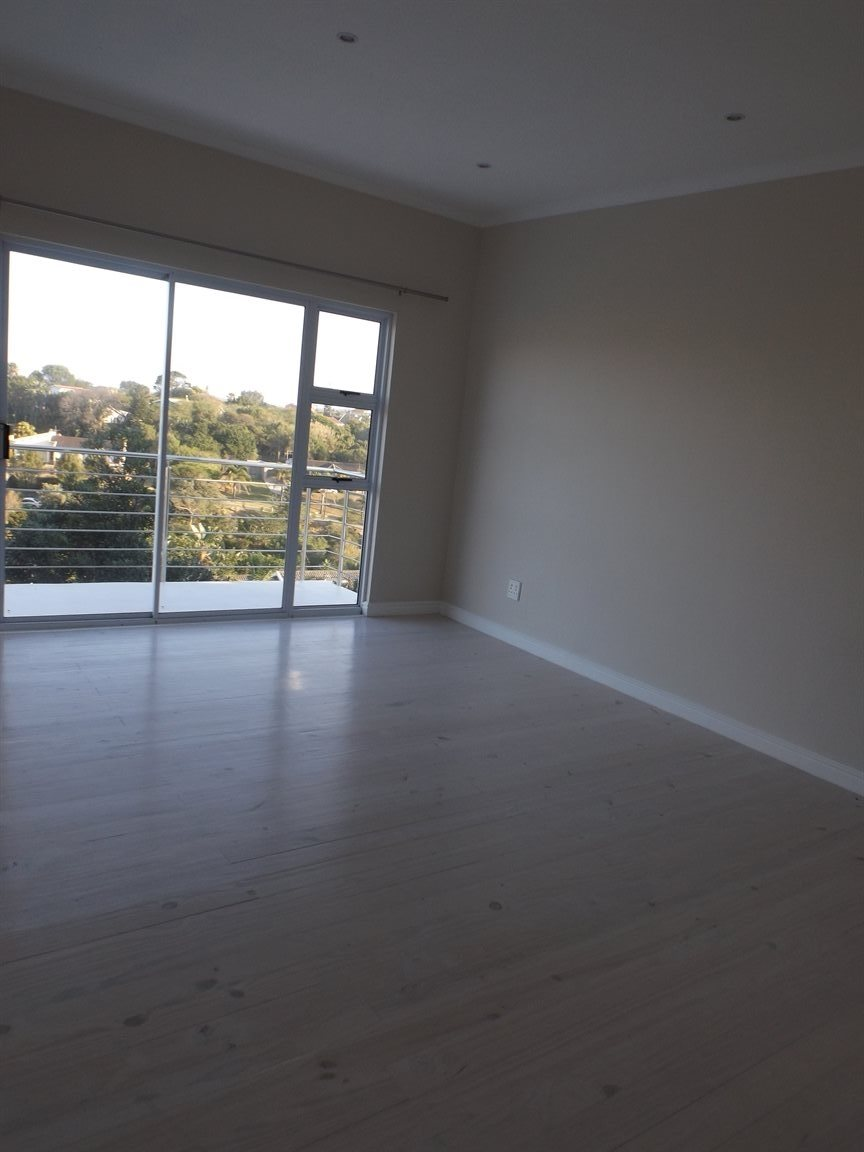 Beacon Bay property for sale. Ref No: 13362713. Picture no 15